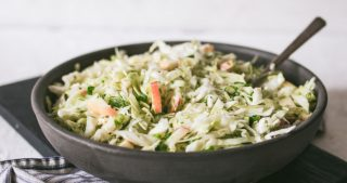 10 MINUTE APPLE CABBAGE SLAW