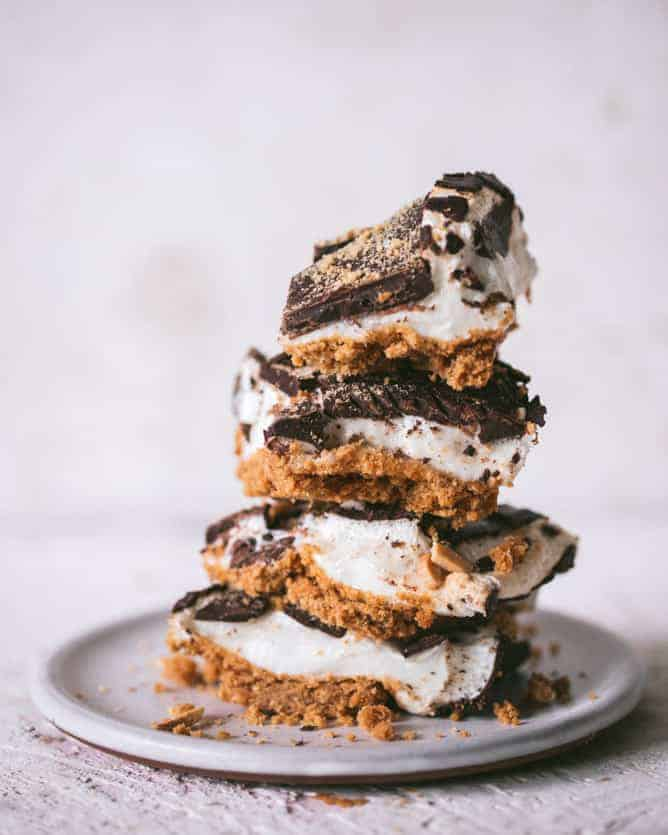 BAKED GOOEY S'MORES BARS stacked