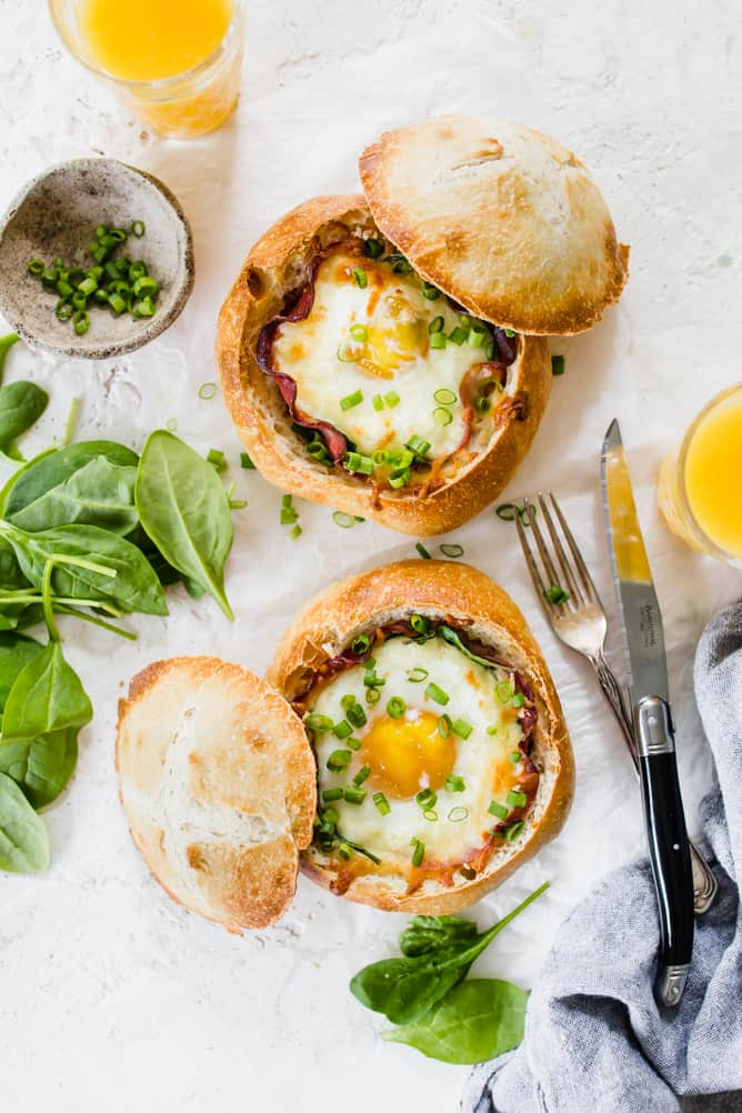 BREAKFAST EGG BREAD BOWLS