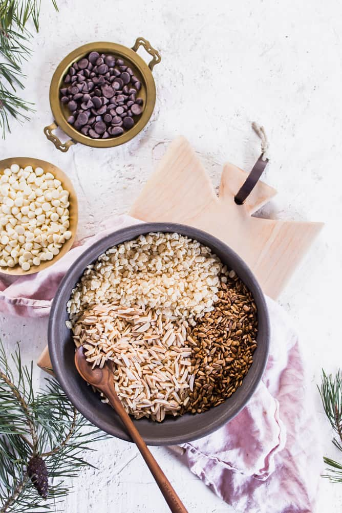 These crunchy No Bake Rice Crispy and Almond Treats are sweet, crispy and easy to make. Mixed with chocolate, almonds, seeds and rice crispy cereal. #ricecrispytreats #chocolate #sweet #dessert #cookies #nobakedessert